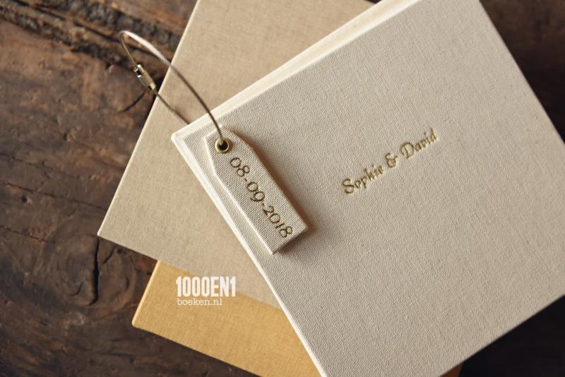 Gastenboek met  losse blanco kaarten 15 cm x 15 cm