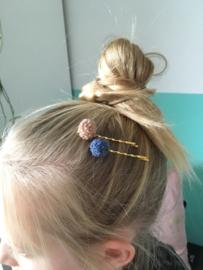 Haarschuifjes goudkleur met pompom roze bobby pin
