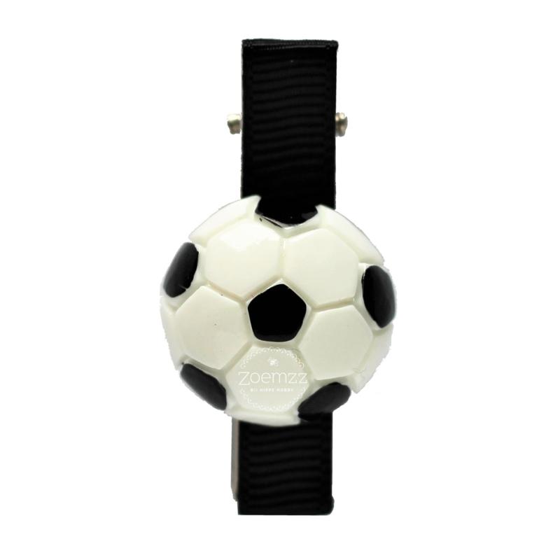 Haarlokspeld met voetbal