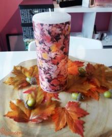 Herfst kaars met bladeren