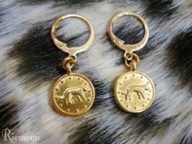 Oorhanger in Panter/Leopard style goud