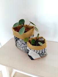 Handgemaakte mandjes in Marimekko-tafelzeil