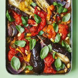 Escalivada met aubergine, paprika's en tomaten