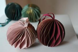 Kerstballen papier glitter