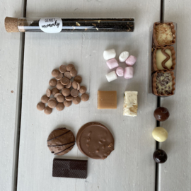 BRIEVENBUSDOOSJE CHOCOLADE HIGH TEA