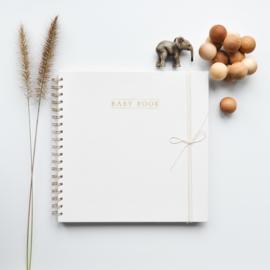 Babybook linnen ivoor - Engels