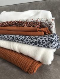 Pakket restjes 2 - tricot, wafel, sherpa, gebreide stof, katoen