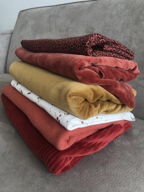 Pakket restjes 1 - velvet, tricot, rib