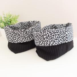 Mandje Leopard all black
