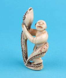 Netsuke man met slang