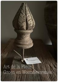 Wooden knob stand Aura Peeperkorn