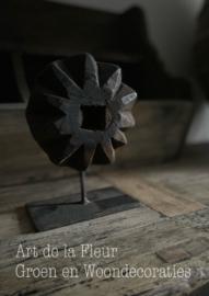 Ornament op standaard Aura Peeperkorn