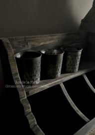Echt oude Brocante zinken potjes met gaatjes