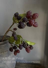 Black Berry Spray Burgundy  71 cm