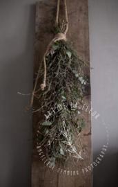 Prachtige tijmtoef met Kersenbloesem en wat Eucalyptus