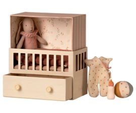 Maileg Babykamer met micro konijn - roze