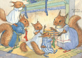 Molly Brett kaart 'A family of red squirrels hang up their Christmas stockings'