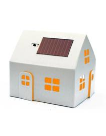 Casagami huisje met zonnepaneel wit