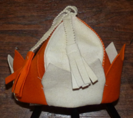 Saunahat Queen orange white