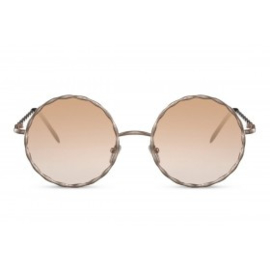 Zonnebril, lens type: zacht gekleurd transparant,  kleur montuur: goud, Hoogte 5,7cm, Breedte 14,2cm, 100% uv-bescherming, categorie 1. Deze bril wordt geleverd in een hard case