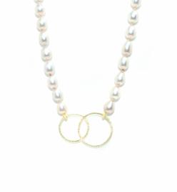 Claire halsketting, zacht roze zoetwaterparels met 18kt geel goud