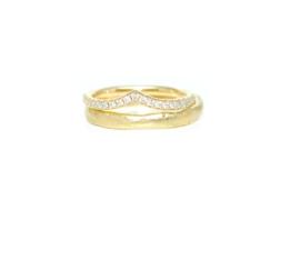 Trouwringen in 18kt geel goud, het damesmodel heeft 21 diamantjes, 0,20ct, voor dit paartje 2345€