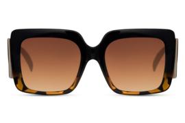 Zonnebril, kleur lens: bruin  - kleur montuur: multicolor - Hoogte: 5,9cm - Breedte 14,3cm - 100% uv-bescherming, categorie 3. Deze bril wordt geleverd in een hard case