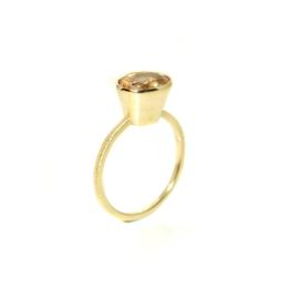Victoria  one of a kind ring in 18kt geel goud met een morganite, unieke ring