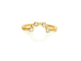 Ring in 18kt geel goud met 4 diamantjes van 0,03ct, heel mooi in combinatie (zie tweede foto)  beschikbaar in maat 53
