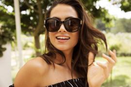 Zonnebril, kleur lens: bruin, kleur montuur: bruin, hoogte: 5,4cm, breedte  13,7cm, 100% uv-bescherming, categorie 3, deze bril wordt geleverd in een stevige hard case