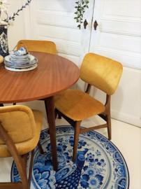 Vintage Mid Century RONDE eettafel met WéBé? eetkamerstoelen