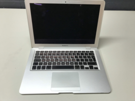 MacBook Air 13.3 inch 1.6Ghz. | 2Gb | SSD