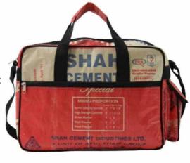 College Bag gemaakt van cementzakken