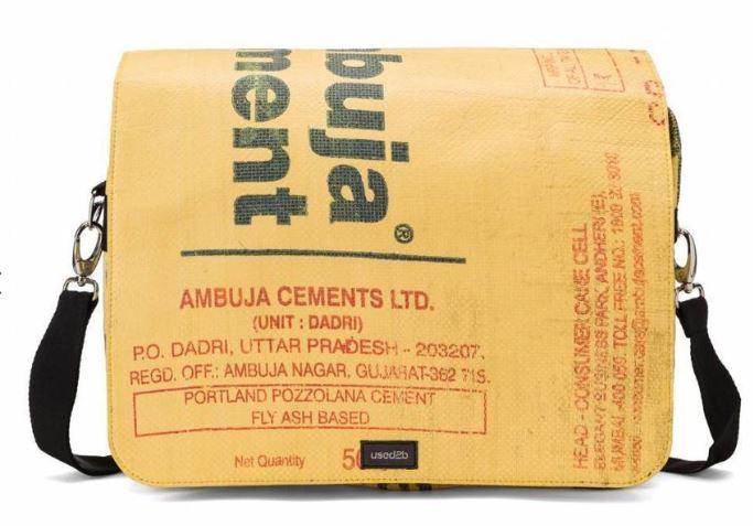 Koerierstas gemaakt van Cementzakken met tekst