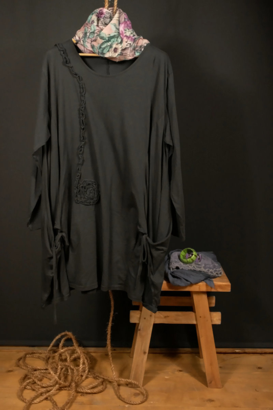 Moonshine shirt met bloem zwart 50-56