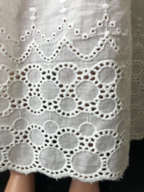 Petticoat onderrok onderjurk voor poppen 30 cm lang.