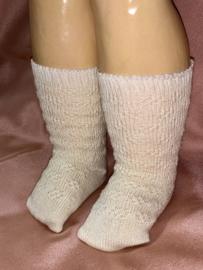 Katoenen poppen sokjes \ kousjes met reliëf-breiwerk, oude voorraad !
