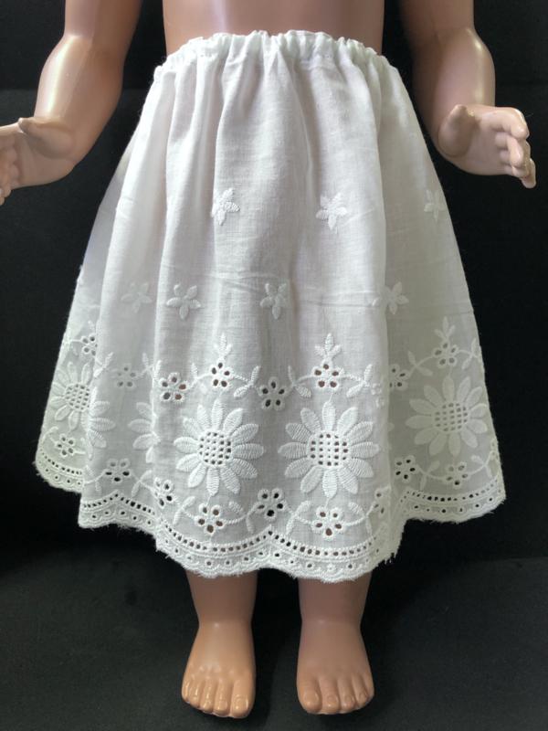 Petticoat onderrok onderjurk voor poppen 23 cm lang.