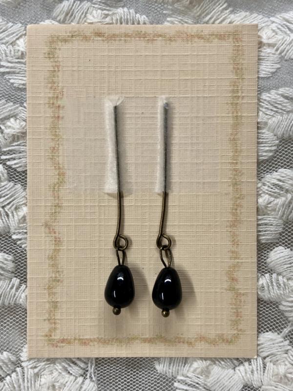 Oorbellen voor antieke pop, zwarte agaat.