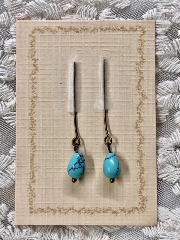 Oorbellen voor antieke pop, turquoise.
