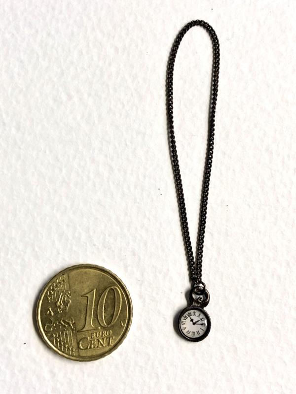 Miniatuur zakhorloge klokje aan ketting