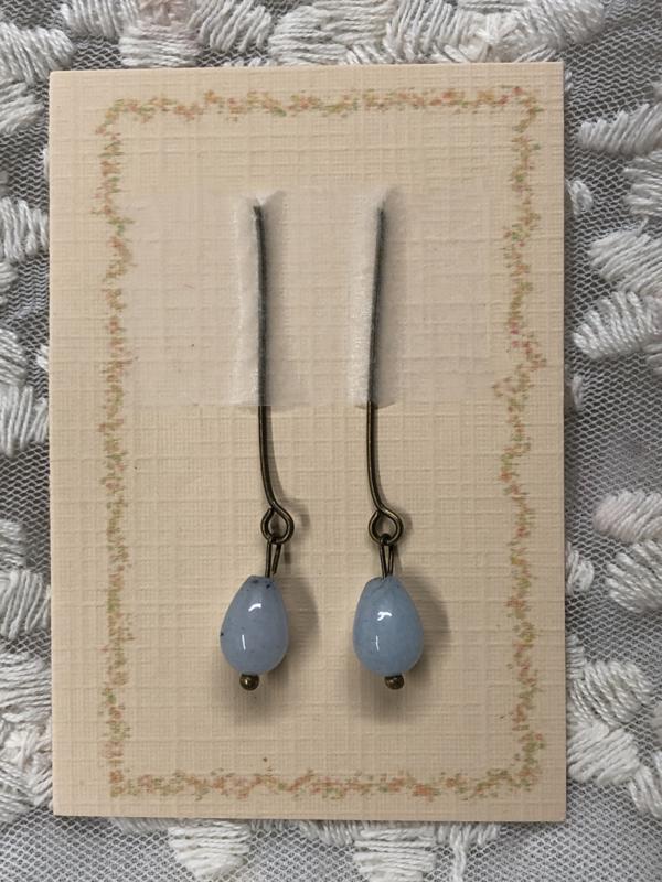 Oorbellen voor antieke pop amazoniet , licht blauw .