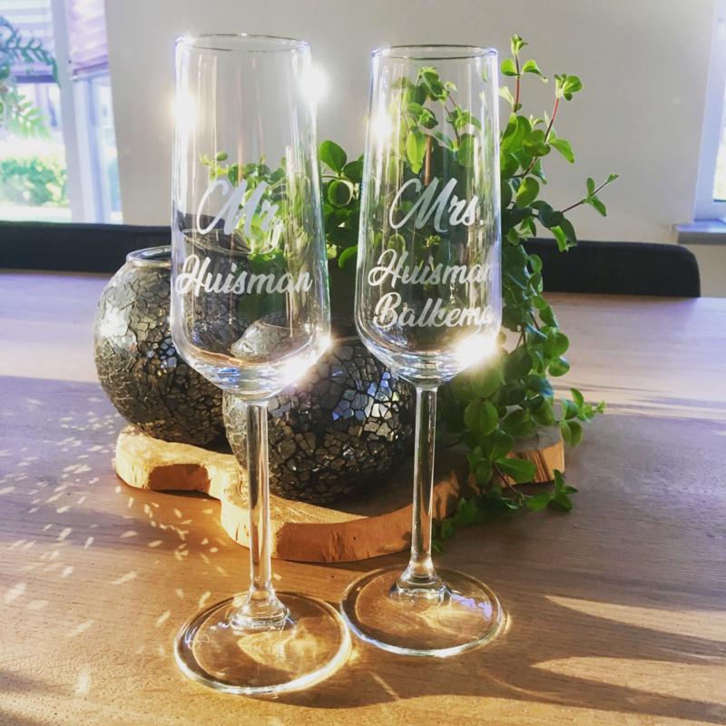 Set champagneglazen Mr & Mrs