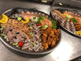 Warm en koud buffet met visschotel