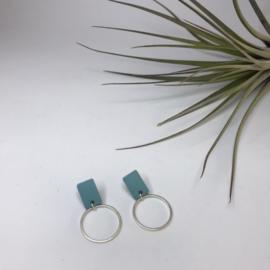 Oorbellen pastel blauwe rechthoek met zilveren rondje
