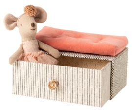 Dancing Mouse in Daybed, Maileg