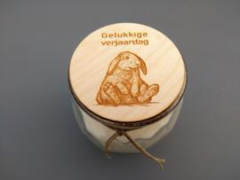 Handgemaakte kaars, gelukkige verjaardag konijn