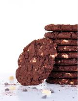 Kraakverse koeken met driedubbele chocolade
