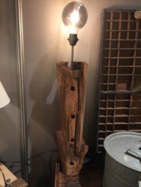 Oude eiken gebinte lamp