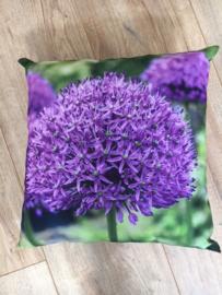Buitenkussen bloem paars